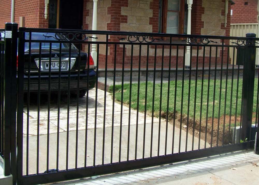 CHELSEA DESIGN AUTO SLIDE GATE