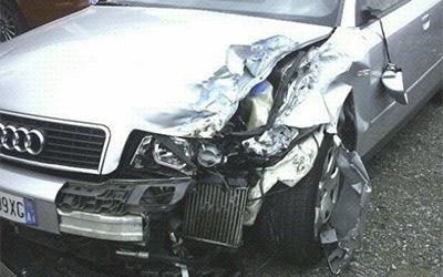 Riparazione Audi incidentata