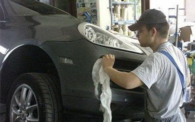 Sostituzione paraurti su Porsche