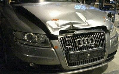 Riparazione cofano Audi