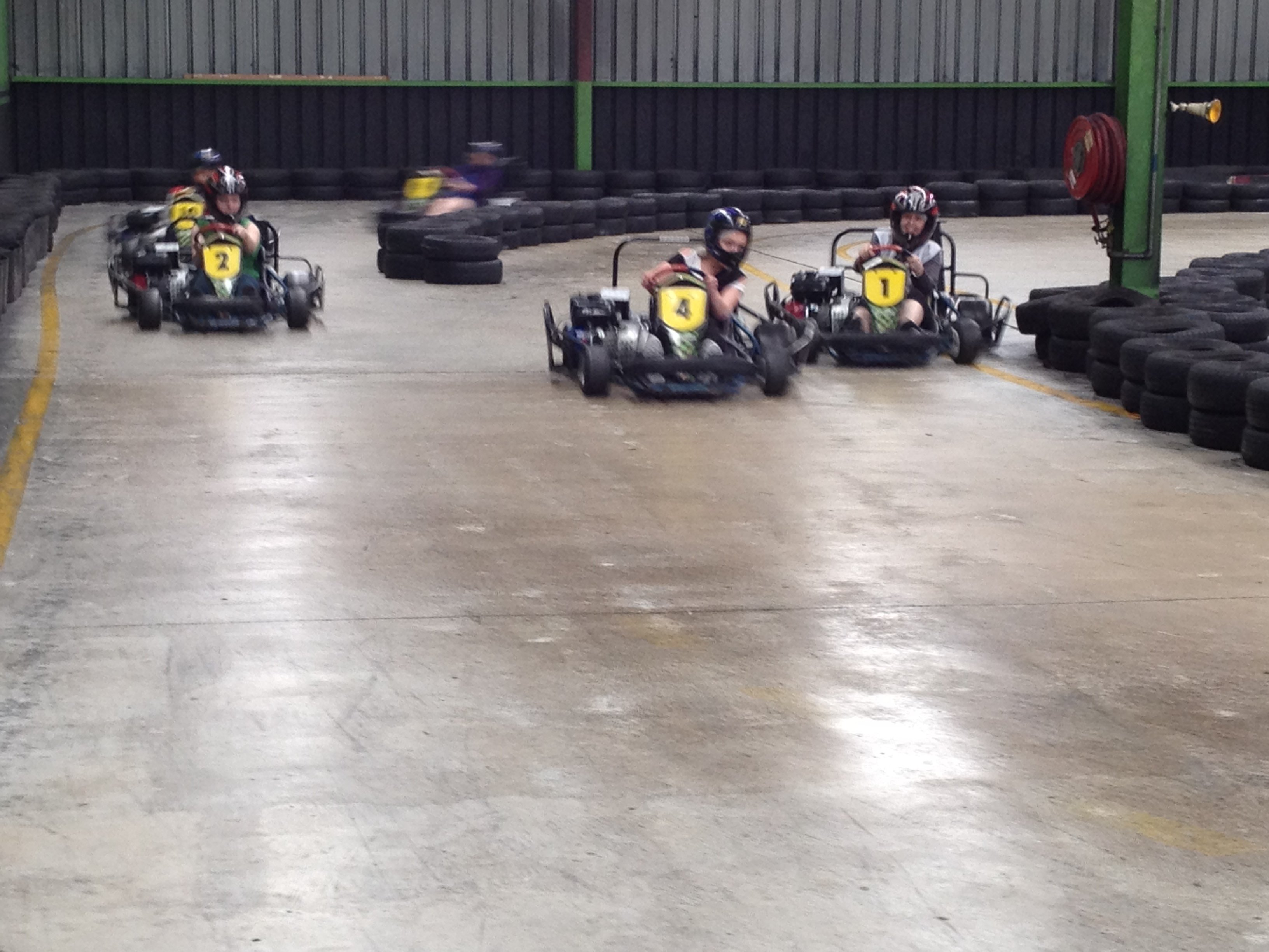 Indoor carting race
