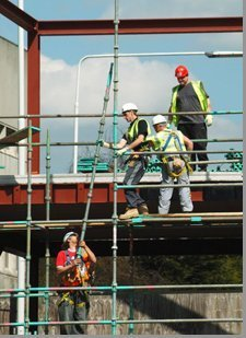 scaffolding experts at work