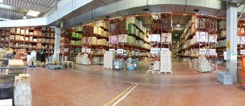 vista dell'interno di un magazzino