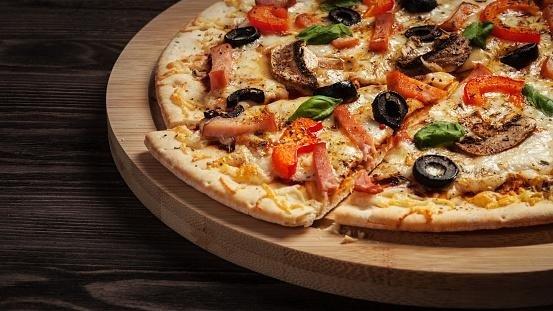 Pizza a domicilio - Lo Stuzzichino