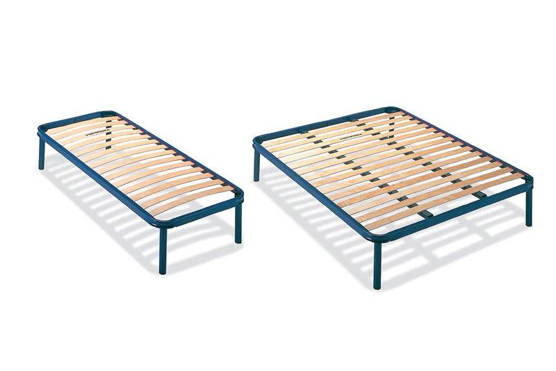 due reti a doghe di un letto singolo e uno matrimoniale