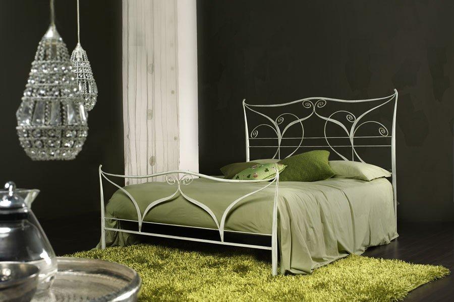 camera da letto con lampadari
