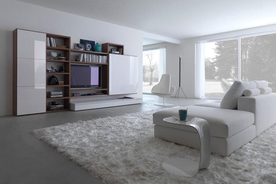 soggiorno con colori bianchi