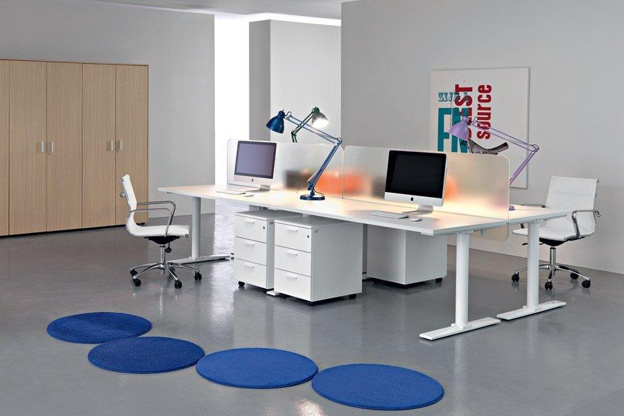 scrivania per camere o ufficio