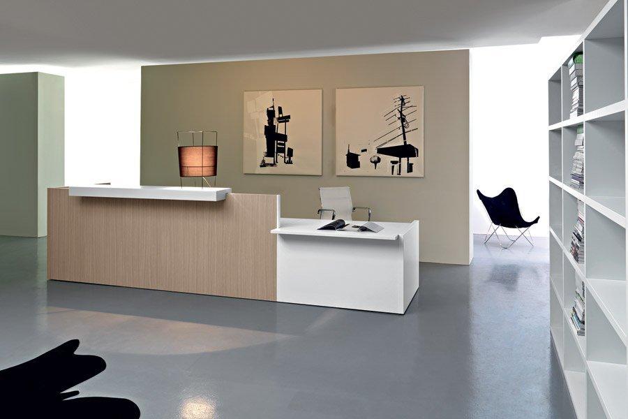 scrivania per reception