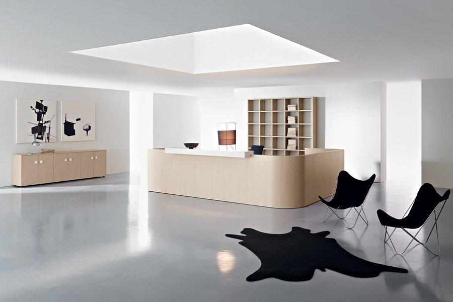 scrivania beige