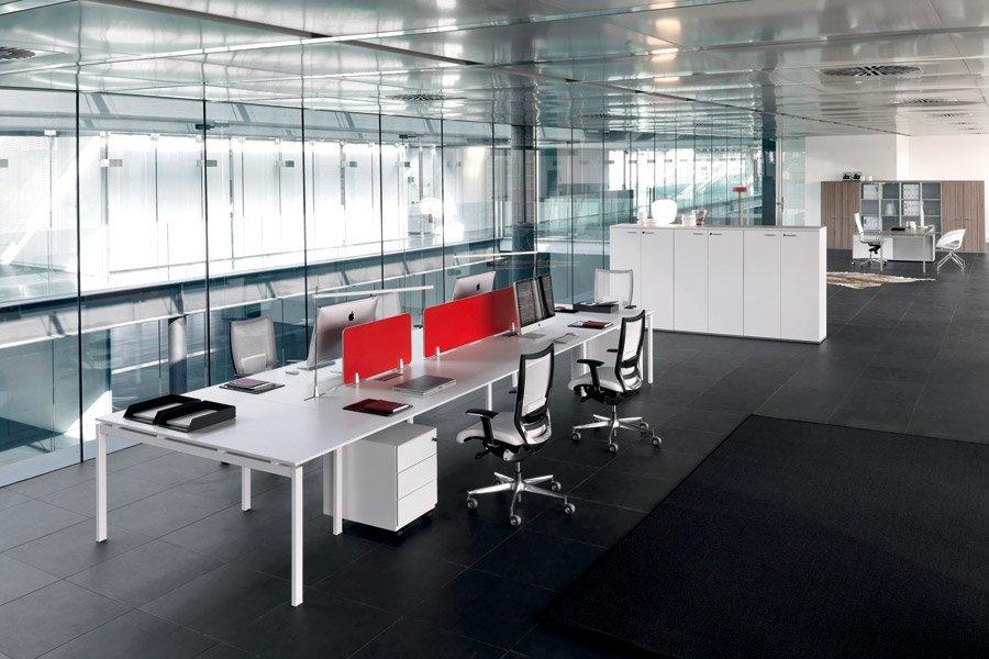 scrivania per arredo ufficio