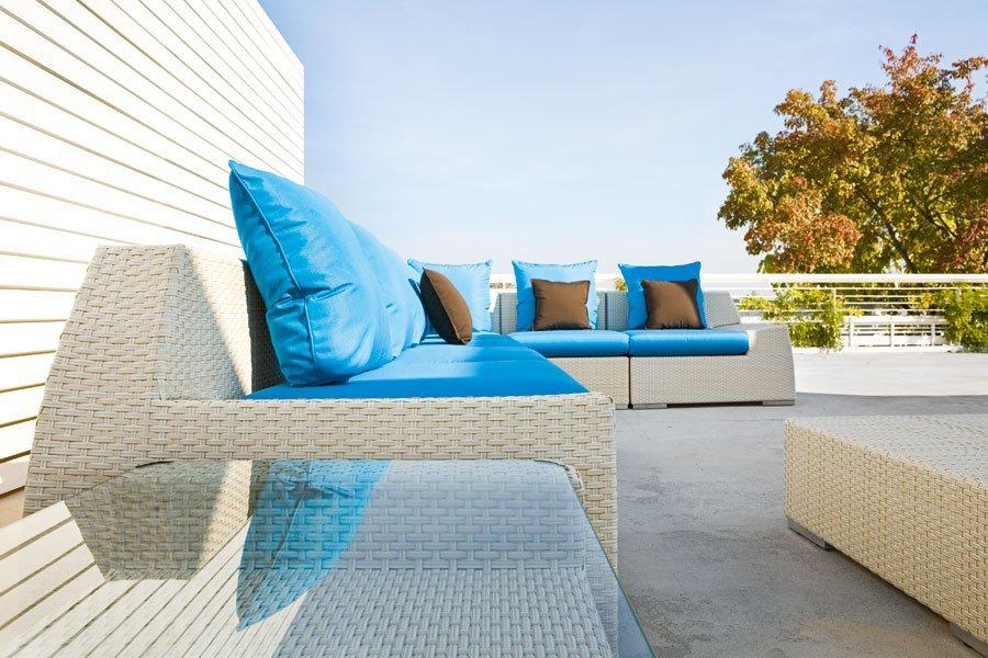 divanetto azzurro