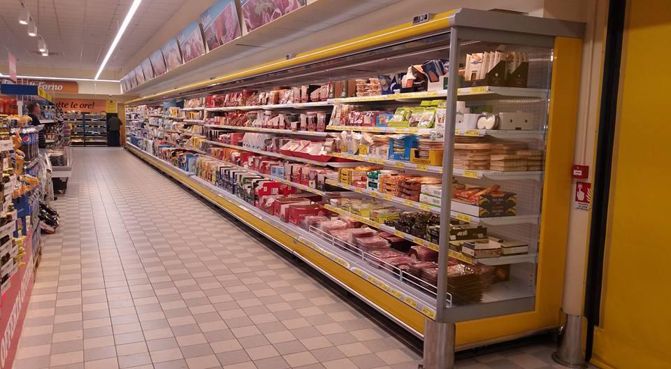 Grandi sistemi di raffreddamento per una miglior servizio al cliente nei supermercati