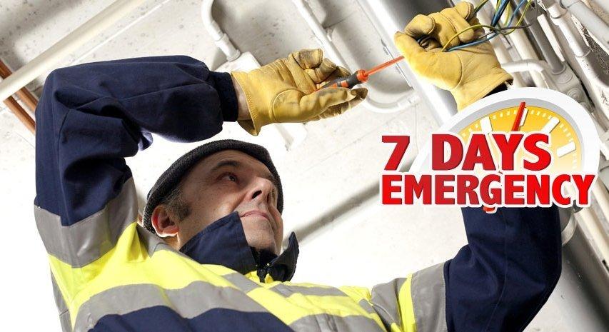 Emergency electrician doing repairs in Kingsley