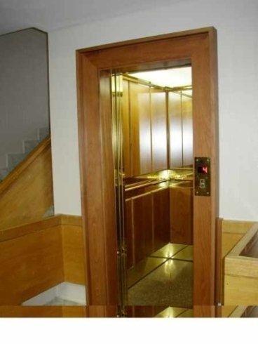Entrata ascensore in palazzo signorile