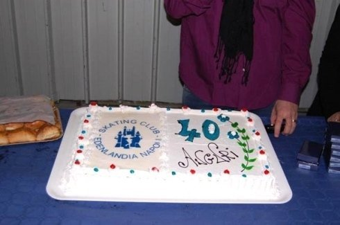 torta per celebrare 40 anni di attività