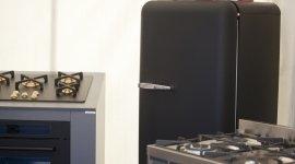 frigorifero, piano di cottura, forno