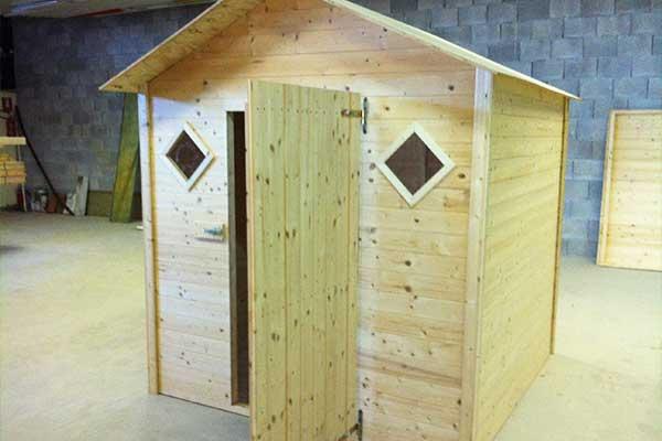 nostra realizzazione casetta in legno