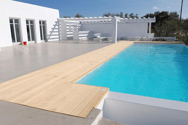 bordo piscina in legno