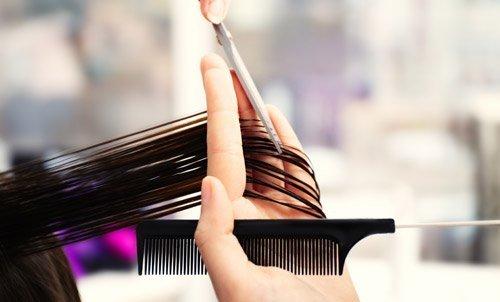taglio capelli dal parrucchiere