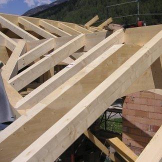 Realizzazione tetti in legno bilama