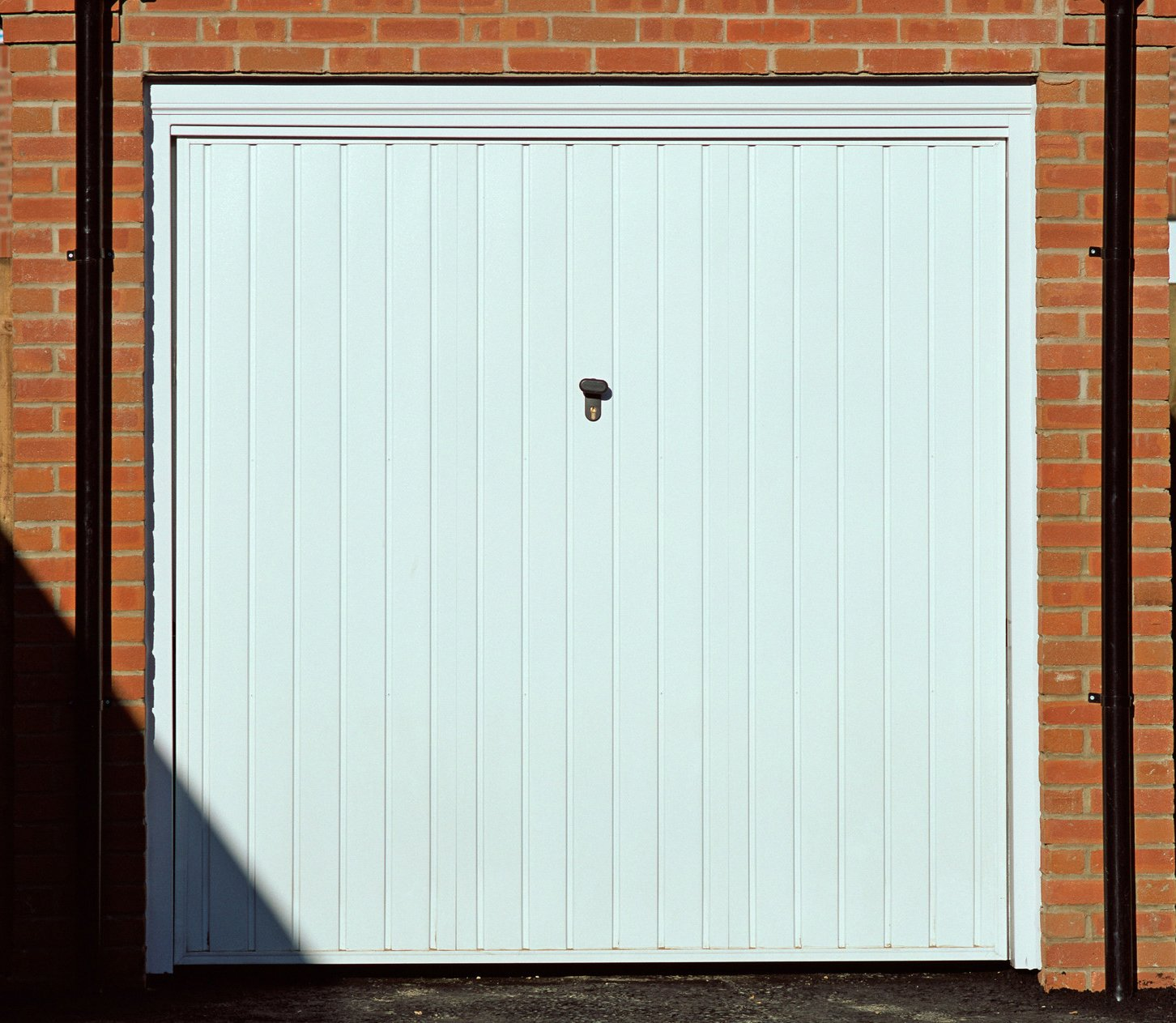 1113 #A24C29 Garage Door Repairs Feltham Surbiton & Kingston Local Garage Door  image Walton Garage Doors 38131280