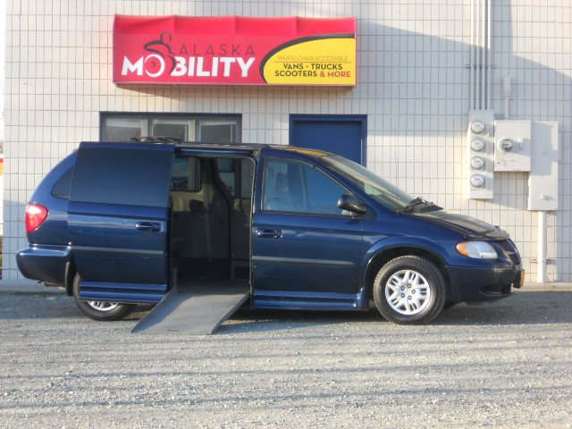 Wheelchair Accessible Honda Odyssey van for sale in Alaska