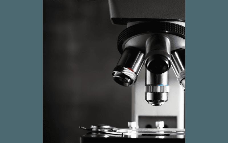 Microscopio metallografico