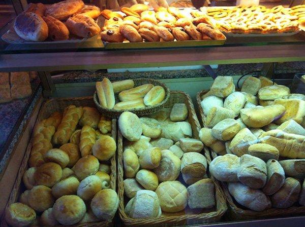 Pane hamburger alla panetteria a Livorno