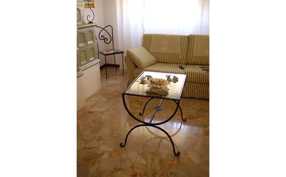 tavolino salotto con sedia