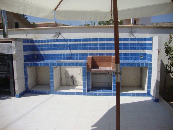 rivestimenti in terracotta bianchi e azzurri