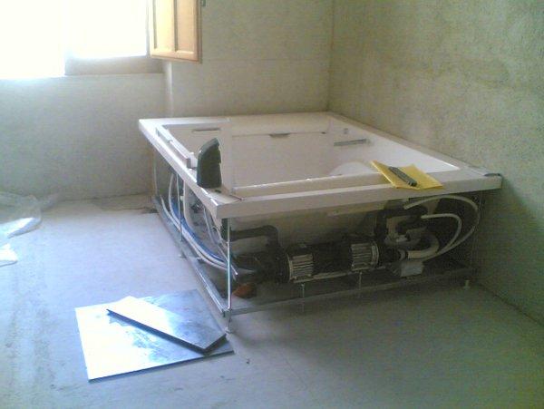 installazione vasca da bagno con idromassaggio