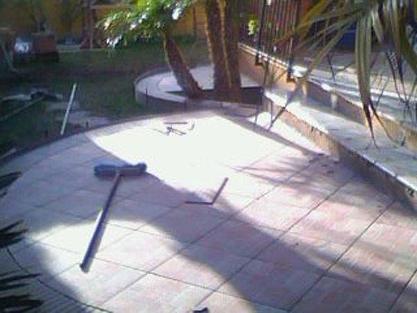 scopa sopra un pavimento