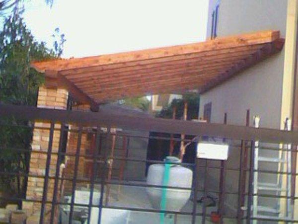 tettoia con cancello