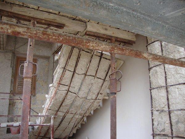 casa completamente da ristrutturare