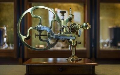 attrezzature restauro orologi