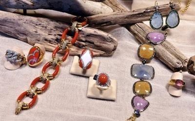 anelli con pietre