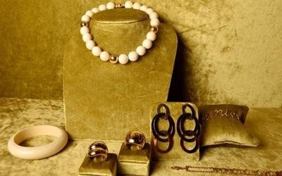 anelli bracciali e collana