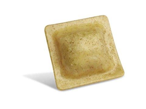Raviolacci al farro con formaggio e noci