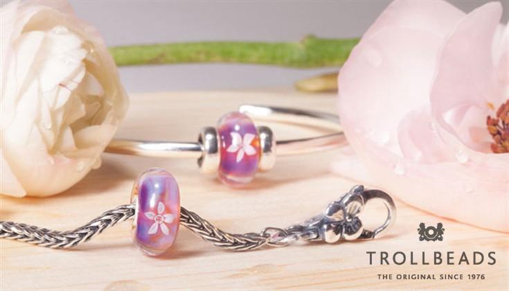 Gioiello con perline rosa