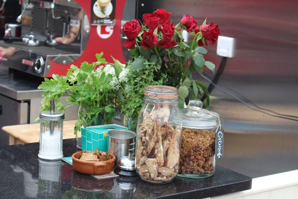 Red roses and jars