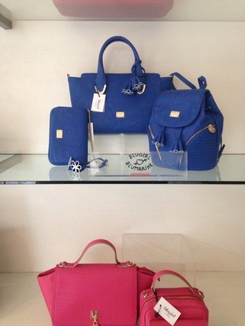 abbinamenti, borse colorate, accessori da viaggio