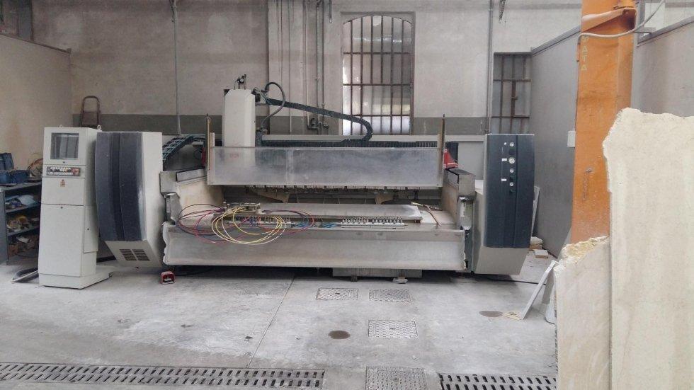 Workshop processing marble