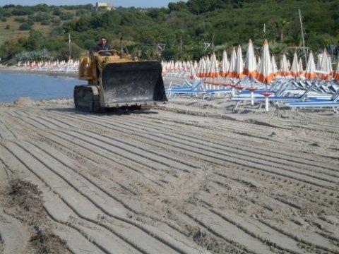 servizio di raccolta rifiuti, servizio di pulizia spiagge, trattamento rifiuti,