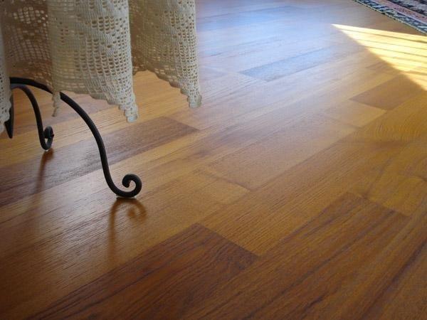 Pavimento in listelli di legno