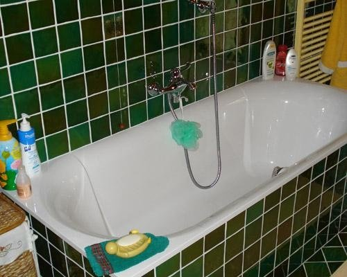 Vasca con rivestimento verde