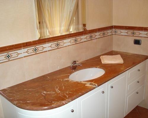 Rivestimento lavandino in marmo per bagni