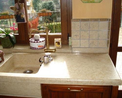 Rivestimento in marmo per lavandino cucina
