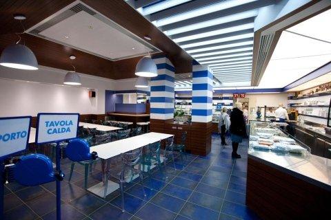 banco gastronomia con varie pietanze