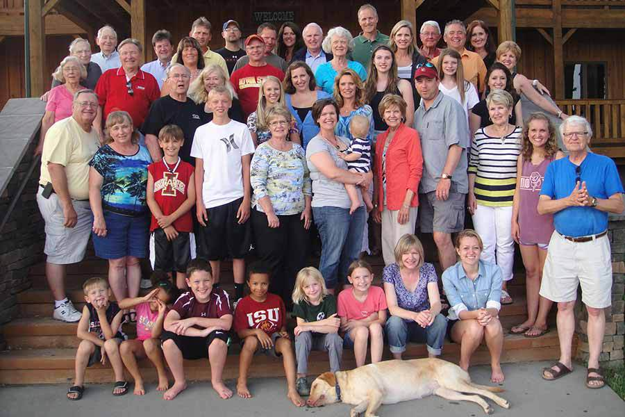 Family Reunion At Hole N' The Wall Lodge